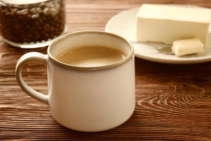 Kawa z masłem doda Ci energii. Jak przygotować?